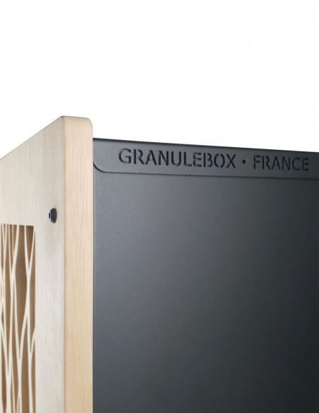 Granulebox noir pour ranger les sacs de granulés de bois en intérieur