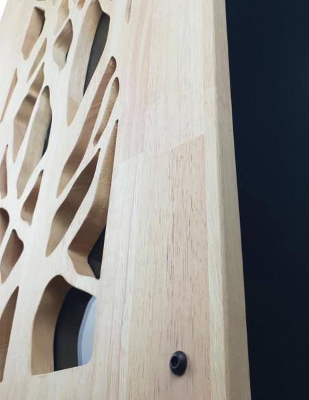 Rangement de granulés de bois en intérieur à proximité du poêle à pellets
